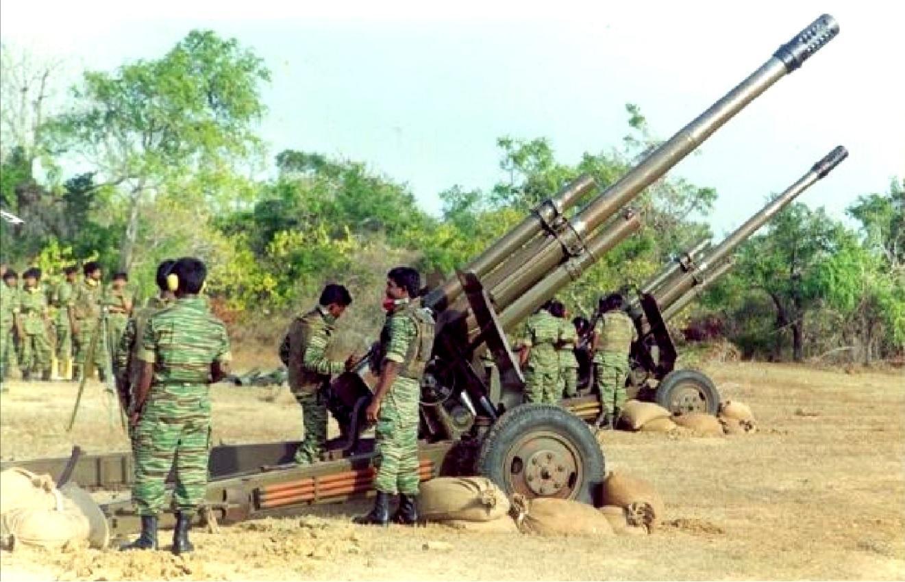 விடுதலைப்புலிகளின் 122 mm தெறோச்சி.jpg